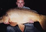 Carpe cuir capturée dans les étangs de Tonnoy (54) en octobre 2004.